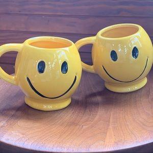Mc Coy | Vintage 😃 set of 2 Smiley face mugs.